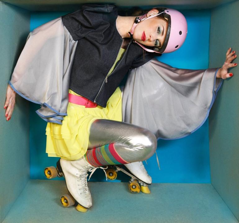 Fotografía: Oscar Rivilla Diseño conceptual: Carolina Verd pendientes de Catalina D´Anglade chaqueta: Arantxa Morcillo cortesía de L'showroom vestido vintage Virginie Castaway